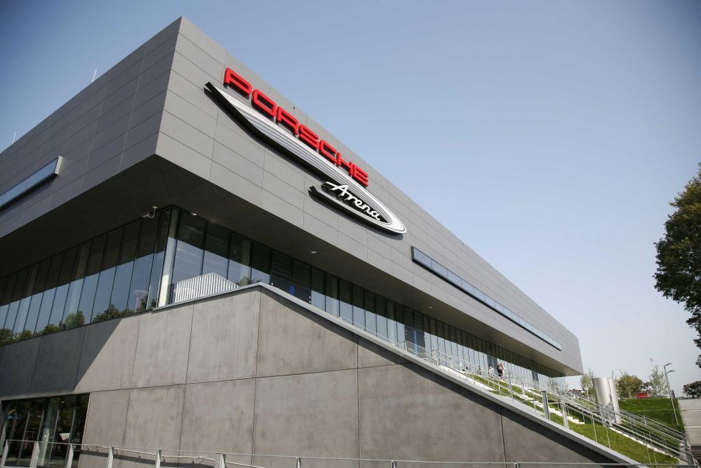 Porsche Arena Außenansicht