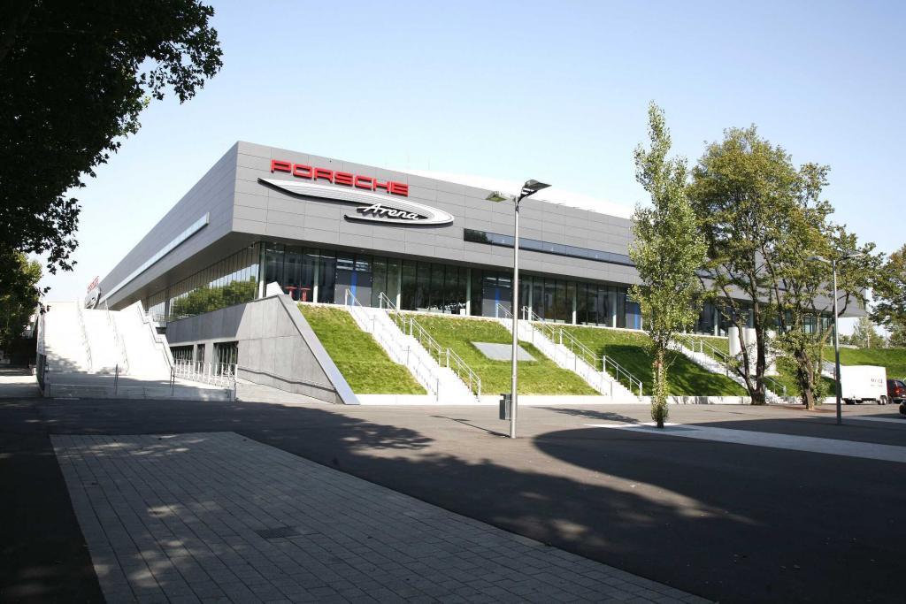 Porsche Arena von draußen